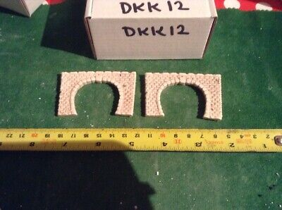 2 X Twin Track Z Scale Tunnel Portals, Painted  (pale  DKK12)