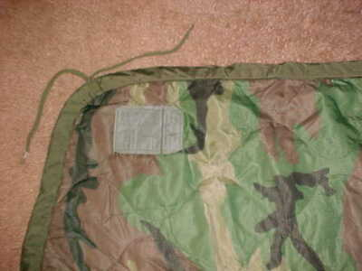 Us Gi Military Poncho Liner / Blanket - Green Woodland Camo (Some Ties Missing)