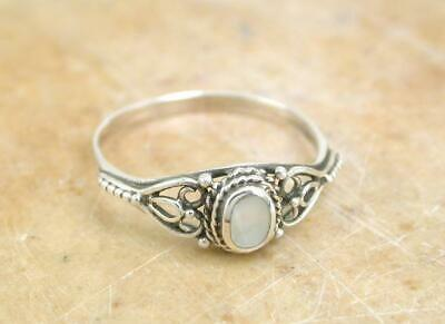 PRETTY STERLING SILVER MOTHER OF PEARL RING size 10  style# r1112