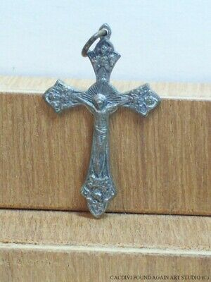 Ornate Grapes Crucifix Budded Cross Vintage Silver Tone Small Metal Pendant Rome