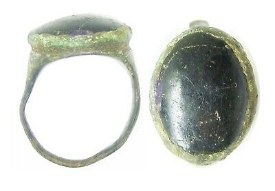 3rd - 4th century A.D. Ancient Roman bronze finger ring set with jet gemstone