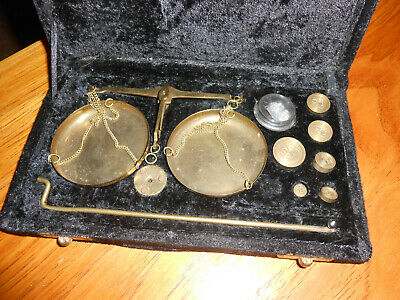 Vintage/Antique Small Brass Balance Scale and Weights in Fitted Plush Case