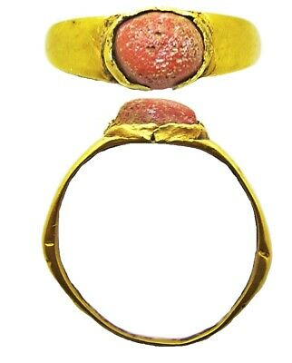 3rd century AD Ancient Roman gold finger ring Henig type VIII coral glass gem