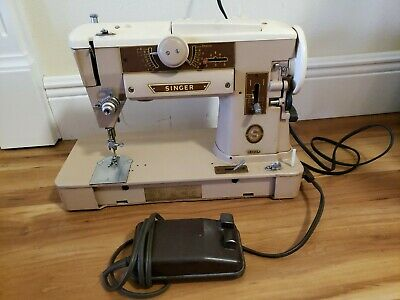 Workhorse Singer 401A All Metal Sewing Machine WORKS! Accessories included