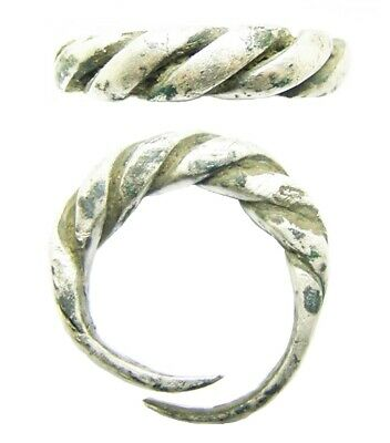 9th - 10th century A.D Scandinavian Viking twisted silver finger ring size H 1/2