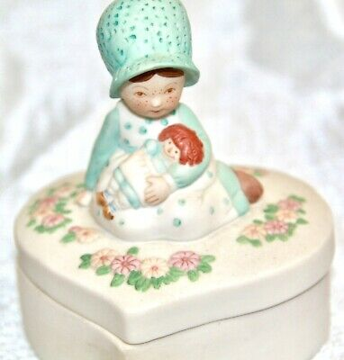 HOLLIE HOBBIE SUMMIT COLLECTION HEART TRINKET BOX 1990 GIRL rag doll ceramic