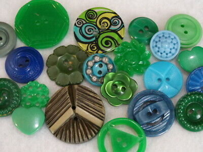LOT VINTAGE & NEW GREEN & BLUE FANCY BUTTONS Casein Buffed Celluloid Flower Colt
