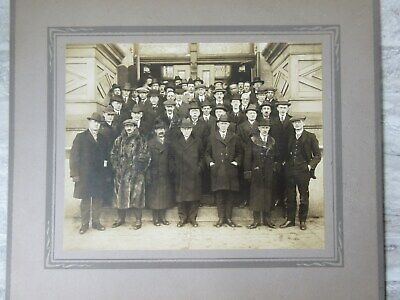 Antique B/W Cabinet Photo Group of Men Front of Building S.R.Payne Syracuse NY