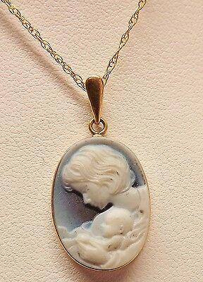 "BEAUTIFUL 14kt YELLOW GOLD MOTHER CHILD CAMEO WEDGWOOD STYLE 18"" NECKLACE 2.5gm"