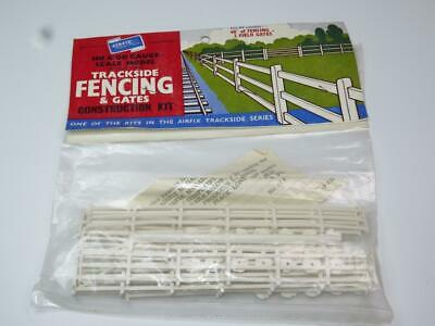 AIRFIX OO/HO MODEL RAILWAY KIT Fencing & Gates Unmade Bagged Rare Type 1 Header