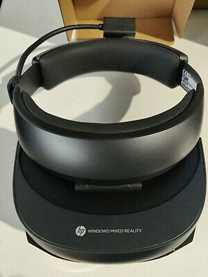 HP - Mixed Reality Headset and Controllers 2018 model