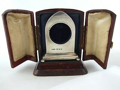 Silver miniature pocket watch holder in silver, + case, as a mantle clock 1906