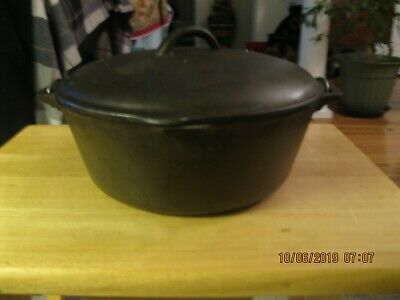 Vintage  #8-X Cast Iron Dutch Oven with #8-B Self Basting Lid. Wire Handle. 5qt.