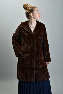 Ladies' Super Mid C20th Magnificent A.E. Ball Genuine Fur Coat / Jacket. Ref RHQ