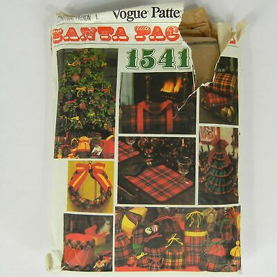 VOGUE 70s Santa Pack 3 Sewing Pattern 1541 Christmas Accessories Wreath Pouches