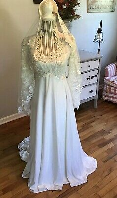 Vintage Wedding Dress Bridal Gown Train William Cahill California Lacy With Veil