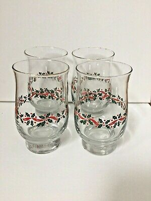 Holly Wreath Christmas Tulip Style Glasses - set of 4