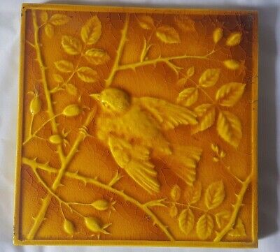 STUNNING yellow majolica aesthetic MINTON BIRD DESIGN ANTIQUE 6 INCH TILE