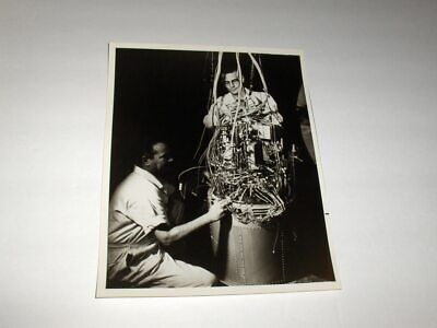 OLD 3-22-1966 NASA TECHNICIANS EXAMINE APOLLO FUEL CELL AFTER TESTING B&W Photo