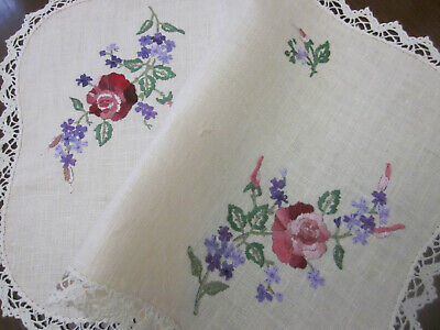 Pretty Vintage Hand Embroidered Deep Pink Roses And Mauves Centrepiece