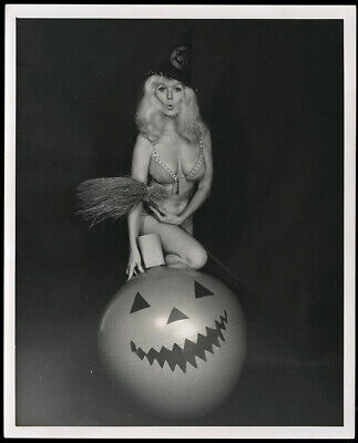 Bunny Yeager 1960 Gelatin Silver Photograph Self Portrait Halloween Witch Fun NR