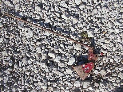 Farmall H tractor IH throttle to governor control linkage rod & pivot bracket H