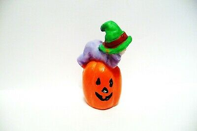 Thimble Resin Baby Fairy In Purple W/Green  Hat On A Jack-O-Lantern