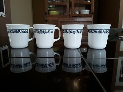 CORELLE CORNING WARE Coffee Mugs Old Town Blue 4 pcs