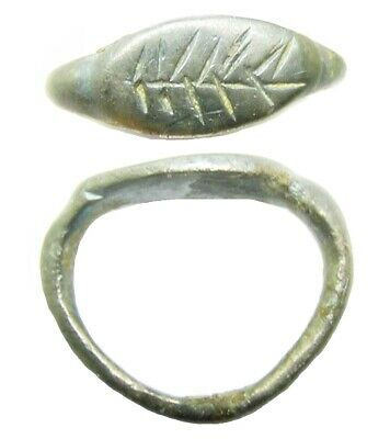 1st - 3rd century A.D Ancient Roman silver finger ring with stylised palm-branch