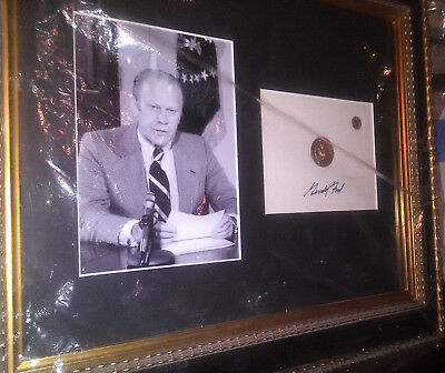 President Gerald Ford Autographed Signature & Photo Framed with COA