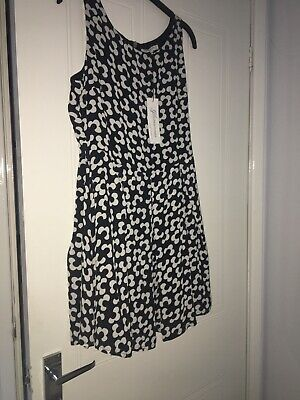 Brand New With Tags Floral Print Black And White Skater/party Dress Size 14