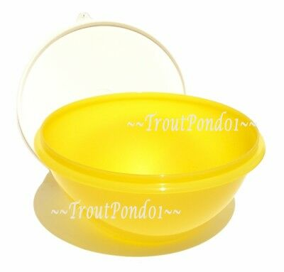 New TUPPERWARE Classic Wonderlier Nesting 10.5 Cup Yellow Mixing Bowl with Seal