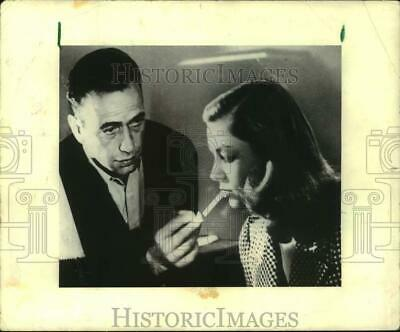 """1944 Press Photo Lauren Bacall and Humphrey Bogart in """"To Have and Have Not"""""""