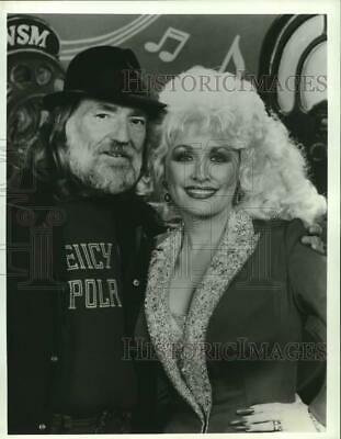 1985 Press Photo Willie Nelson and Dolly Parton appear on television special