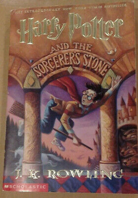Harry Potter and the Sorcerer's Stone ~ Book 1 (Scholastic)