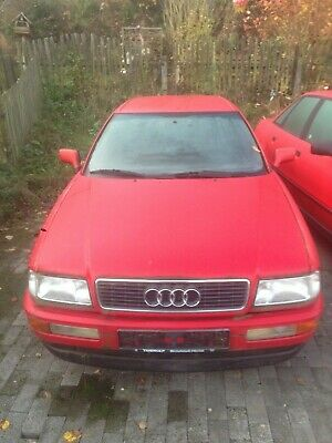 Audi Coupe rot Baujahr 1992 115 PS