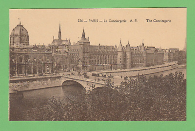 PARIS - LA CONCIERGERIE vers 1930.
