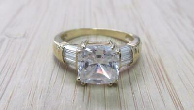 Clear Stone / 14KT Solid Yellow Gold Ring Size 6.75 ~ 4.3grams ~ 18-I6714