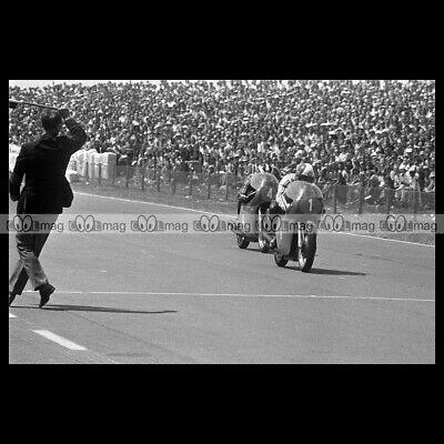 #phm.56568 Photo GIACOMO AGOSTINI PHIL READ DUTCH TT ASSEN GRAND PRIX 1973