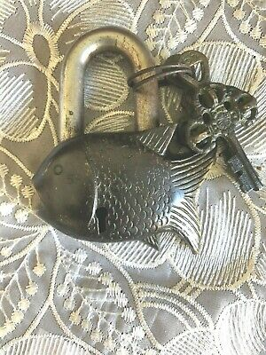 Small Fish Style Nepal Lock with Keys