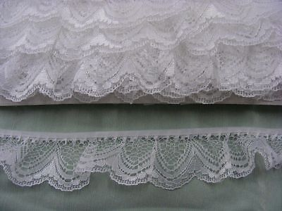 Gathered Lace White  8 metres  (251/1)  2 breaks