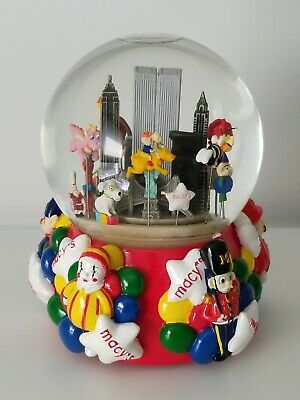 Musical Waterglobe With Twin Towers Macy's Thanksgiving Day Parade