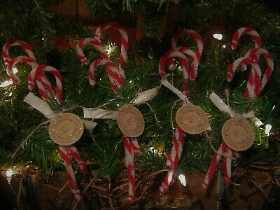 12 Primitive Chenille CaNDY CaNE CaNES MERRY CHRISTMAS Santa Tag Sign Ornies