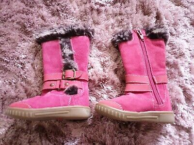 Girls Hush Puppies Pink Suede Winter Boots. Size 4 Infant. VGC