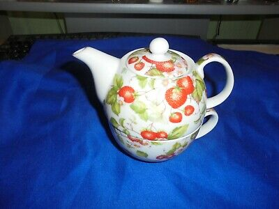 Charlotte Rose Tea For One Set Strawberry Pattern Teapot and Cup