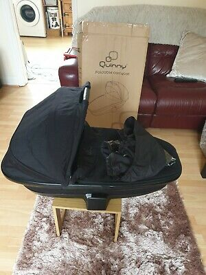 Quinny Foldable CarryCot Black Devotion With Rainwear. Boxed