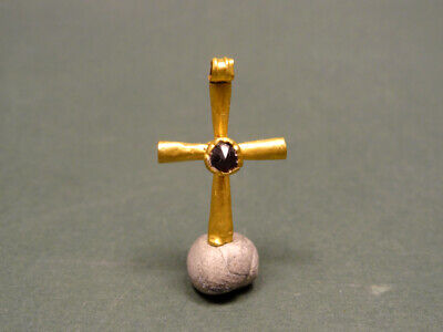 BYZANTINE GOLD & GARNET CROSS PENDANT 4th-6th CENTURY AD