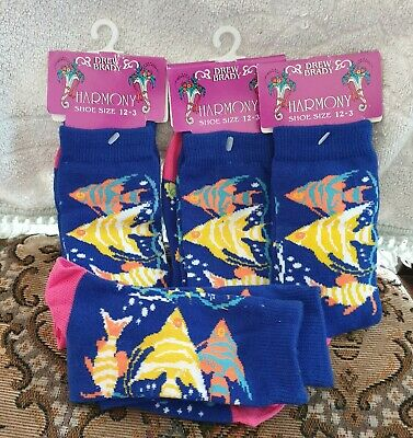 4 pairs girls socks,various colours ,new in pack ,12-3 size