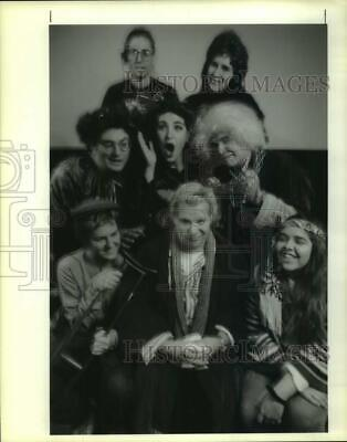 1992 Press Photo Rene Piazza and the cast of A Christmas Carol - The Whole Story