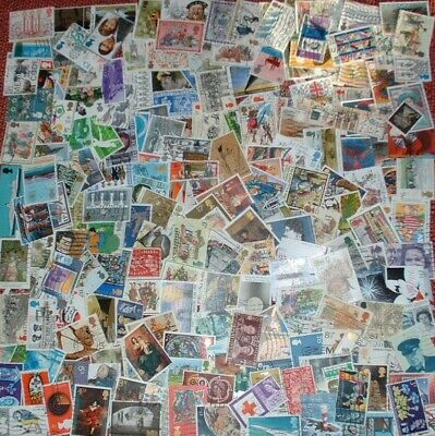 Gb Packet Of 200 Used Commemorative Stamps Off Paper All Different